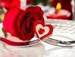 Ich lade Sie zu einem romantischen Abendessen