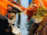 Venice_Carnival_-_Masked_Lovers_%282010%29