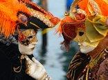 Venice_Carnival_-_Masked_Lovers_%282010%29