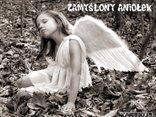 zamyślony aniołek