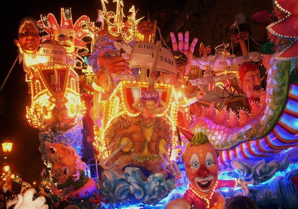 Carnival_at_Acireale